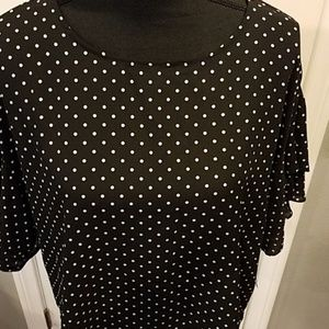Vince Camuto Tops - NWT Vince Camuto polka dot blouse Sz Large